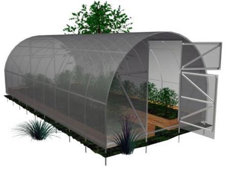Арочная теплица, собранная своими руками, - удачный вариант для садоводов и фермеров