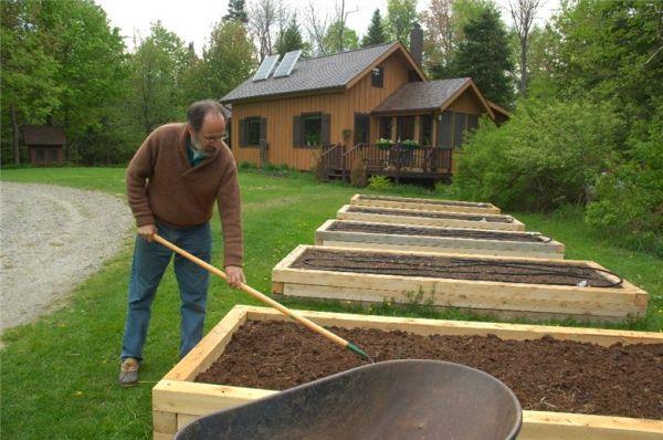 Деревянные бортики для грядок придадут вашему саду очень красивый вид