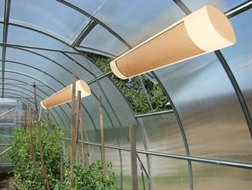 Система инфракрасного обогрева устанавливается для поддержания в тепличном помещении температуры, оптимальной для выращивания растений в холодный период