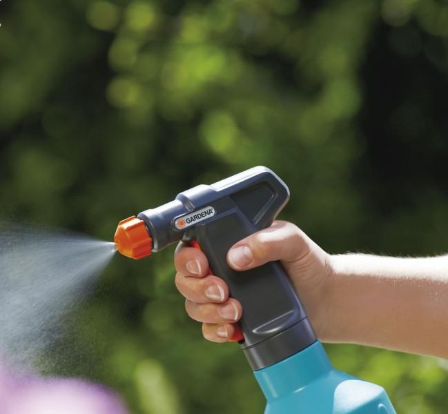 Современный рынок пестицидов предлагает огородникам-любителям широкий перечень средств, предназначенных для борьбы с вредителями