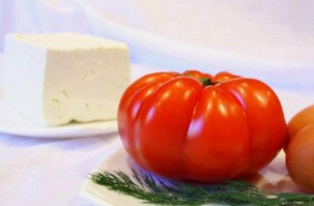 Одним из современных героев овощного рынка является помидор болгарский