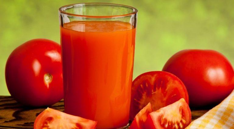 Сок из томатов издревле известен своими полезными свойствами и аутентичными вкусовыми качествами