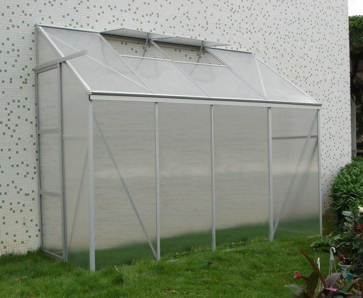 Хорошие эксплуатационные характеристики и низкая цена делают представленный материал незаменимым на садовом участке