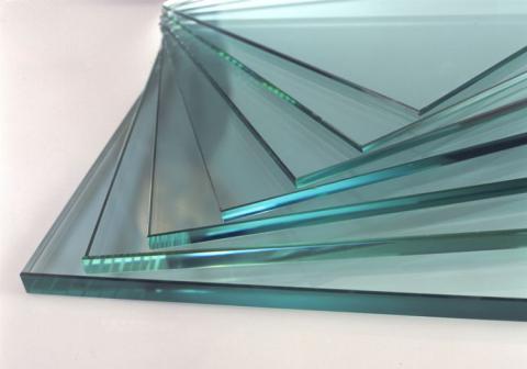 Для теплицы нельзя использовать полностью прозрачное стекло: возьмите оконное листовое