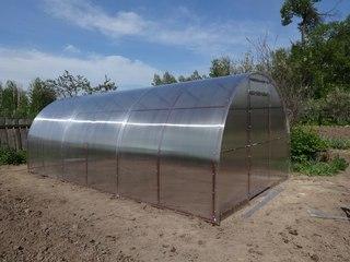Фирма Теплицы севера производит и продает конструкции для выращивания растений в закрытом грунте