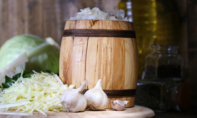 Отечественные диетологи характеризуют квашенную капусту, как низкокалорийный продукт