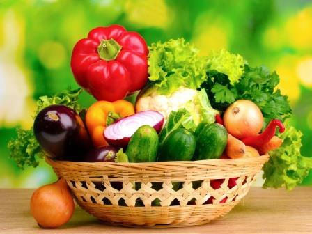 Выращивание овощей в теплице позволит при должном уходе получать урожай в разы превышающий результаты с открытого грунта