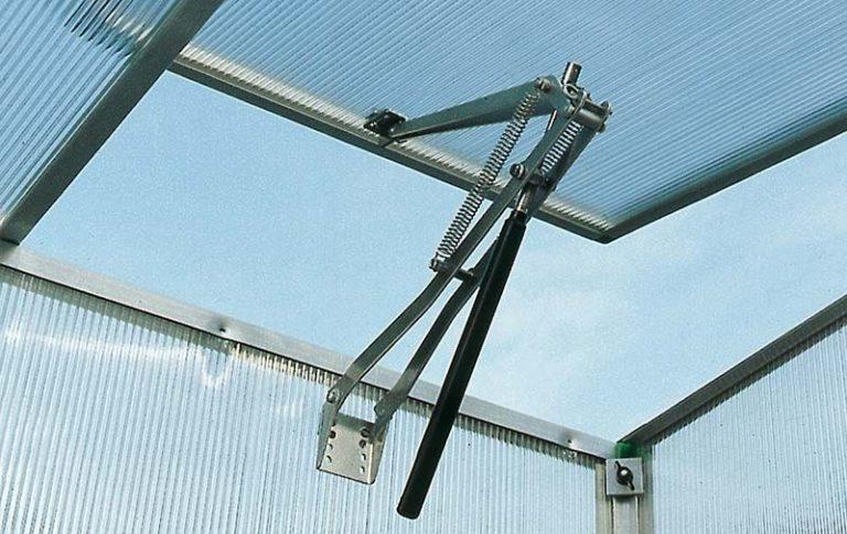 Если проветривание делается для дачной теплицы, целесообразным будет установить автоматический механизм