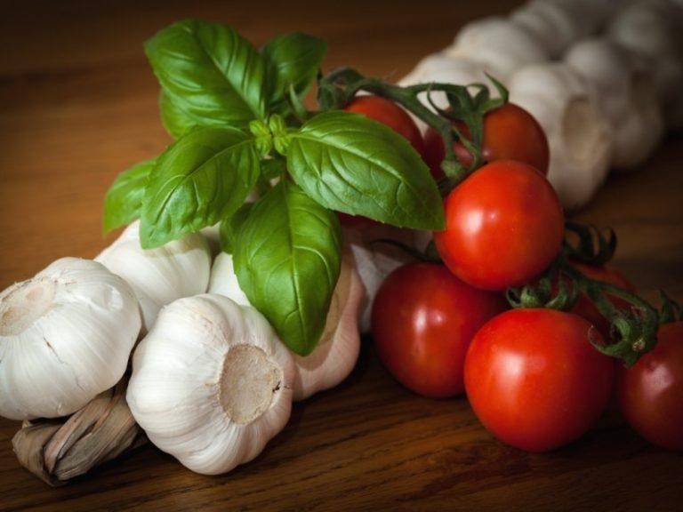 Только в XIX веке помидоры начали активно употреблять в пищу