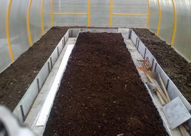 Для обеспечения максимально комфортных условий для выращивания растений необходимо заранее осуществить подготовку почвы