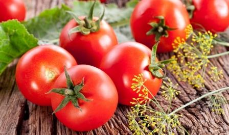 Особенности каждого сорта ранних сортов помидор заключаются в том, что растение поспеет на кусте уже через 100 суток после посева