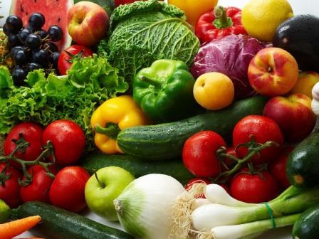 В зависимости от характеристик растения, его выращивают в открытом грунте семенами или рассадой, которые и нужно вырастить в теплице