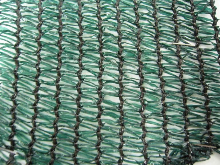 Сине-зеленые садовые покрытия считаются наиболее удачным вариантом для теплиц