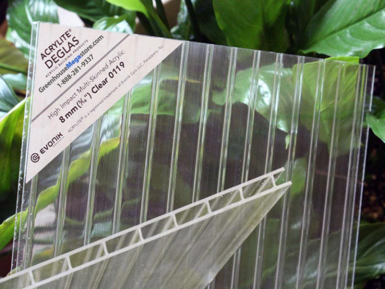 Чтобы не совершать ошибок во время приобретения поликарбоната, нужно внимательно прочитать надписи на упаковке или на этикетке (изображение № 2)