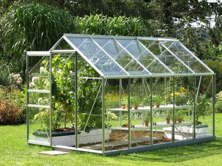 С приходом весны для большинства садоводов становится актуальным вопрос, как сделать теплицу
