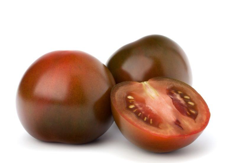 Их главной особенностью является цвет плодов, которые имеют насыщенно черный оттенок