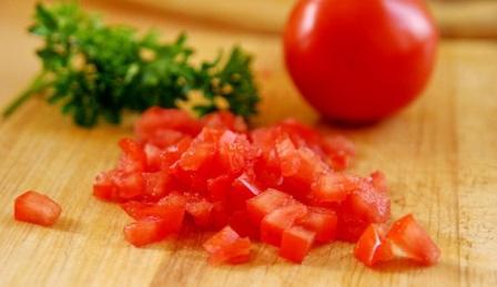 Именно этот сорт обладает многими положительными качествами и подходит и для салатов