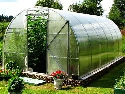 Теплицы «Гринбокс» отличаются необычайным удобством: они сконструированы с учетом всех возможных пожеланий огородников